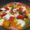 【唐辛子レシピ】鶏肉と野菜のチリソースチーズ焼き